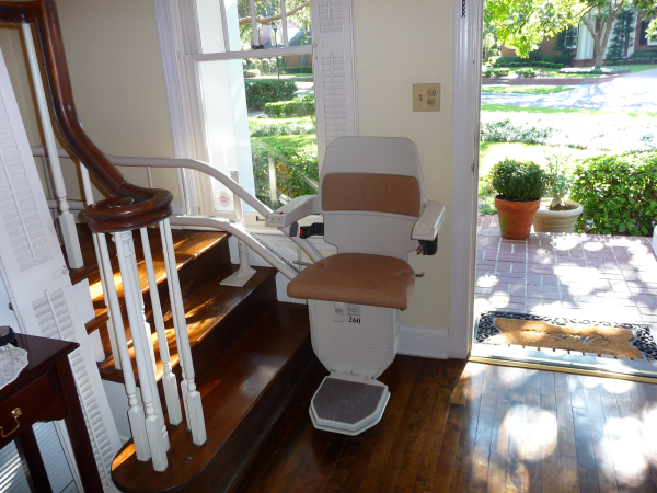 Perfect stairlift solution for a curving staircase