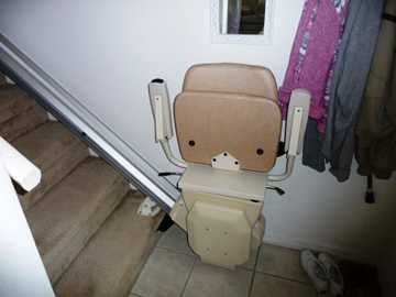 Compact folded stairlift design