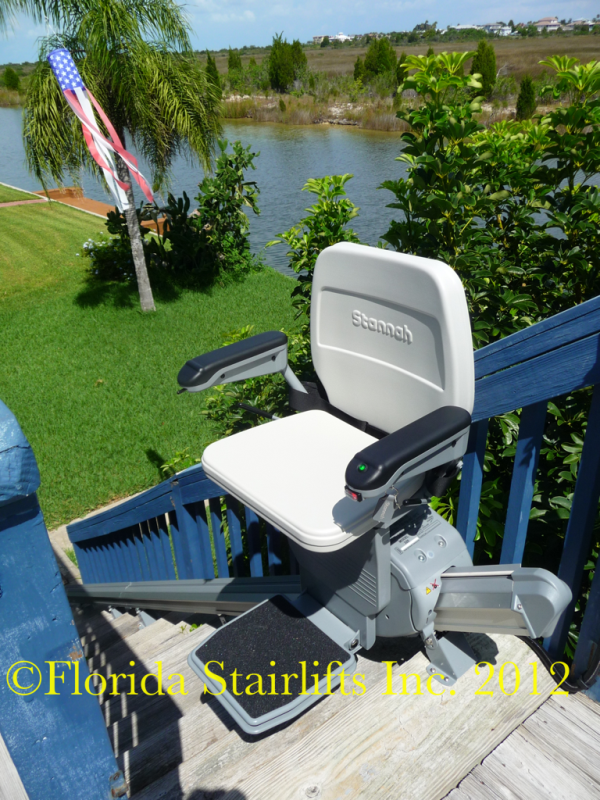 Stannah 320 Outdoor stairlift
